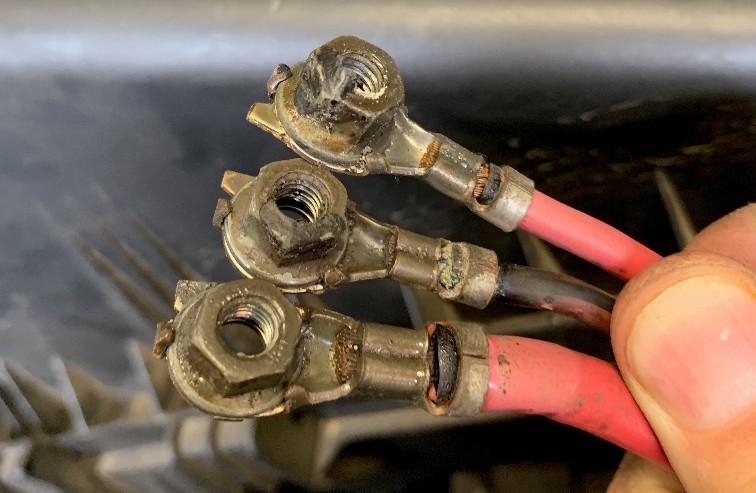 VWVortex com - Melted battery fuse-box and damaged positive
